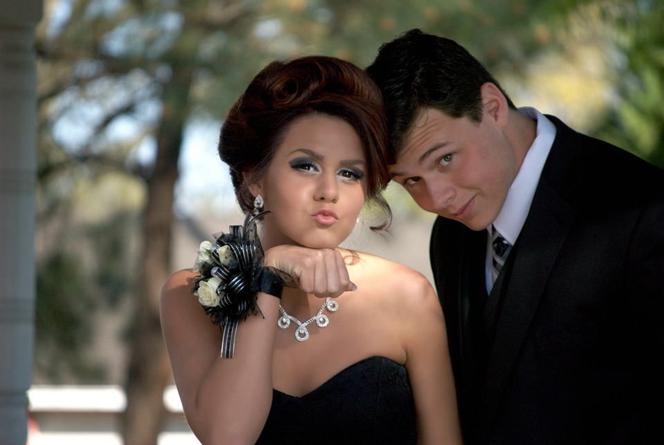 How to Make Homecoming Night Special With Limousine Services