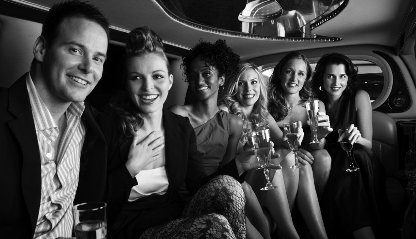 Add a Touch of Luxury and Comfort to the Special Occasion with Limo Rental Service