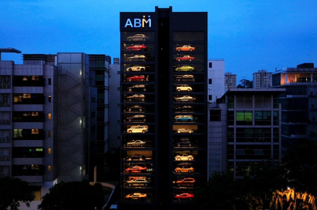 Singapore now has a Luxury Car Vending Machine because Dealerships are not Fun Enough!
