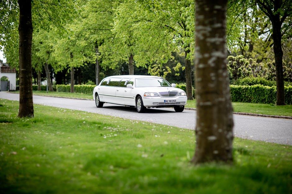 limousine rental cost