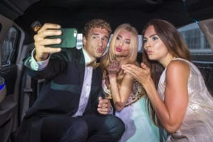 8 Tips for Hiring the Best Limo Service for Your Wedding